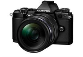 Appareil photo Olympus OM-D E-M5II Kit 12-40PRO (noir/noir)