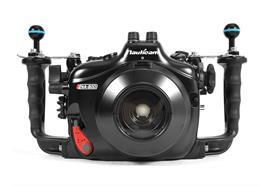 Custodia subacquea Nauticam NA-80D per Canon EOS 80D (senza oblò)
